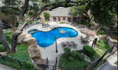 Pool at Listing #141276