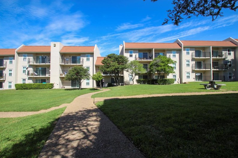 Princeton Court Apartments