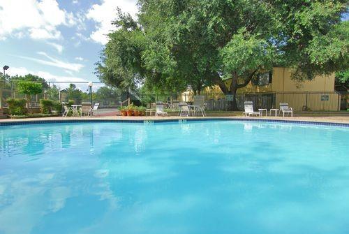 Pool at Listing #140007
