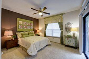 Bedroom at Listing #140154