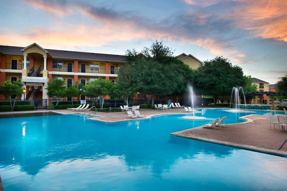 Pool at Listing #140768