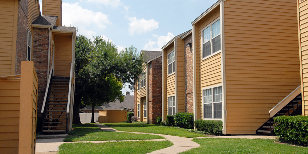 Exterior at Listing #136295