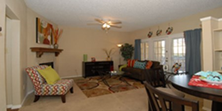 Living Room at Listing #135652