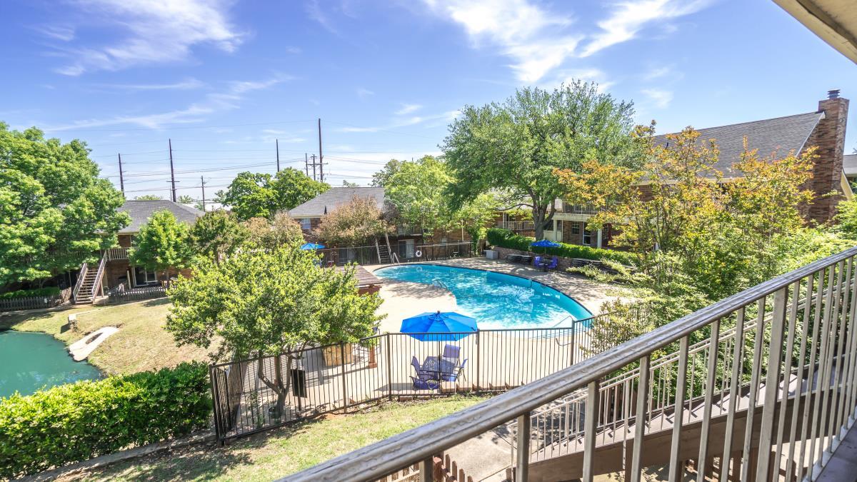 Pool at Listing #137508