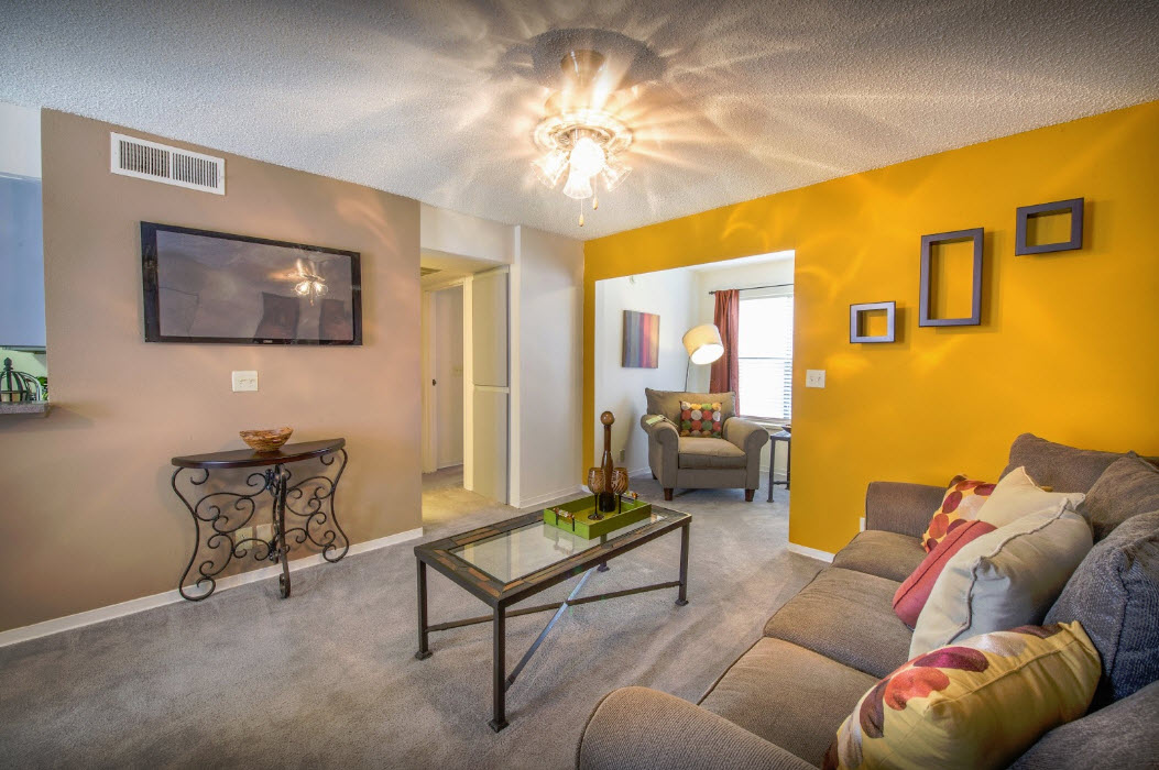Living at Listing #136180