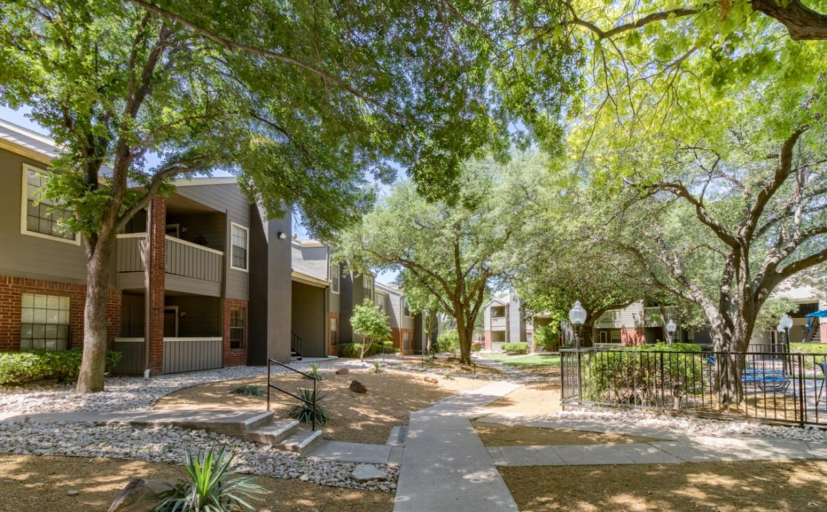 Courtyard at Listing #135967