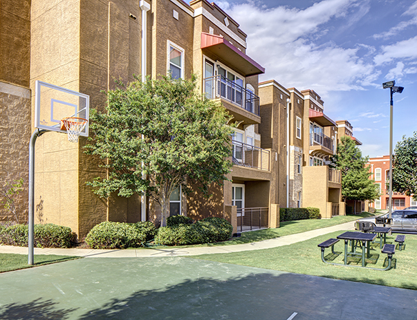 Basketball Court at Listing #147767