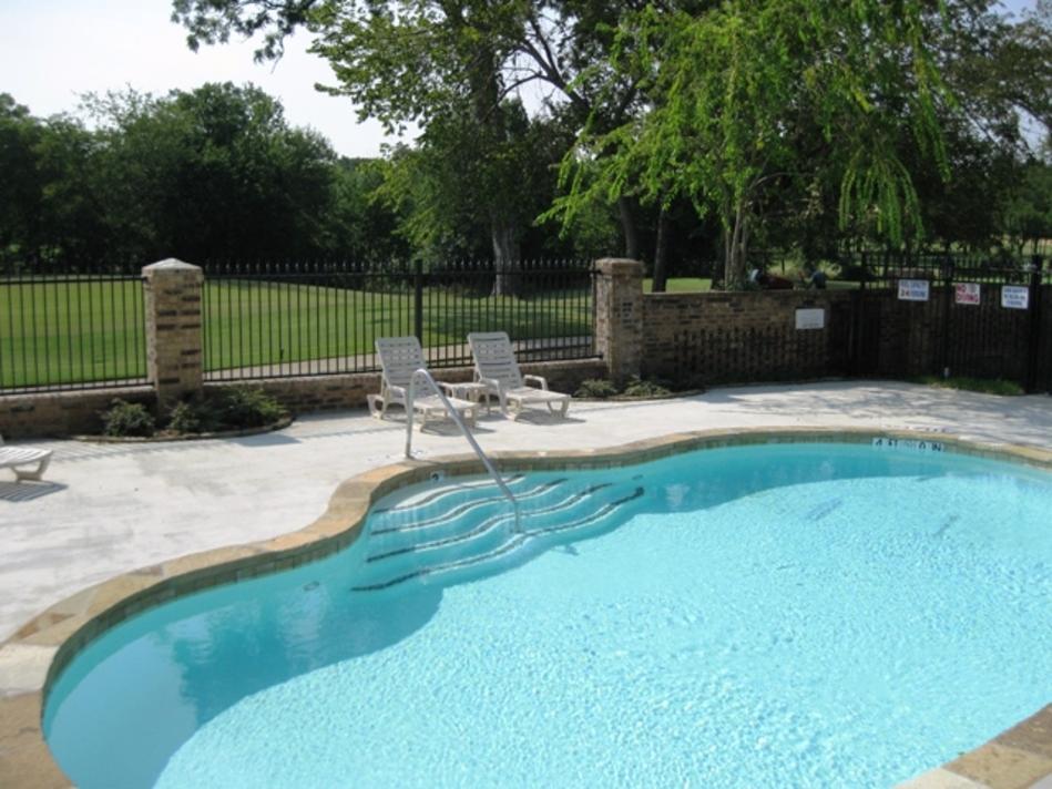 Pool at Listing #137035