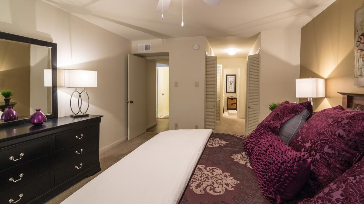 Bedroom at Listing #138844
