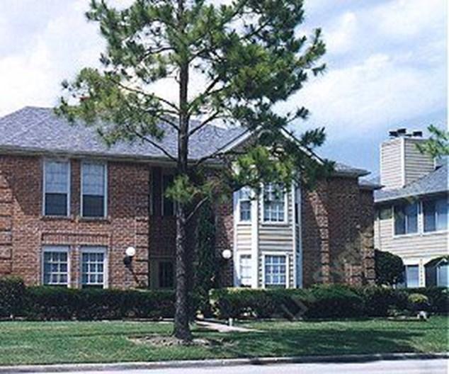 Mansions of Shadowbriar Apartments