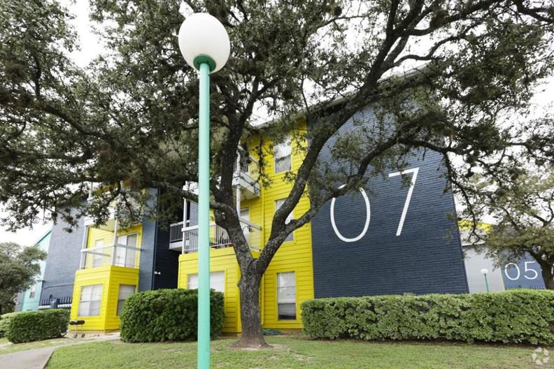 Live Oak Place Apartments