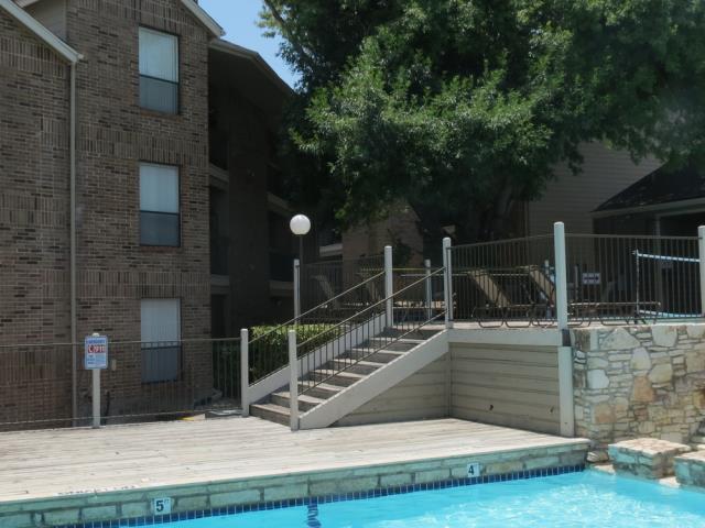 Pool at Listing #140371