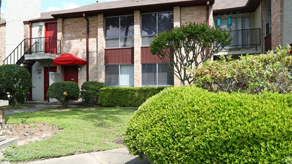 La Paz Apartments