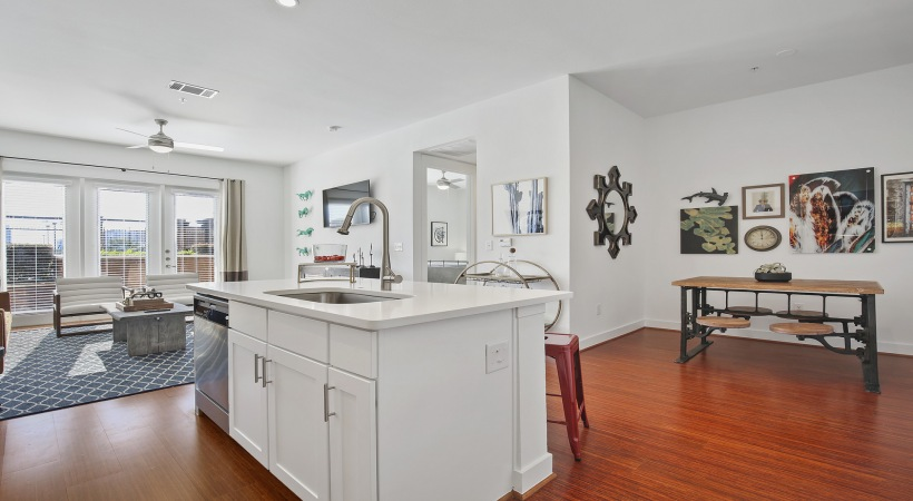 Dining/Kitchen at Listing #144522