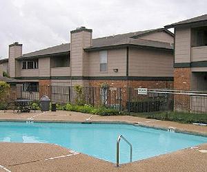Pool at Listing #140377