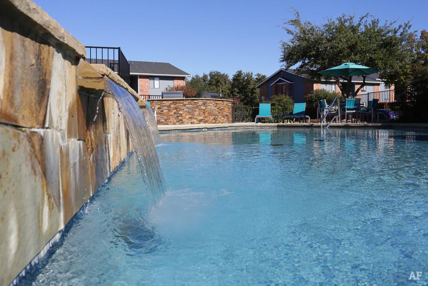 Pool at Listing #136300