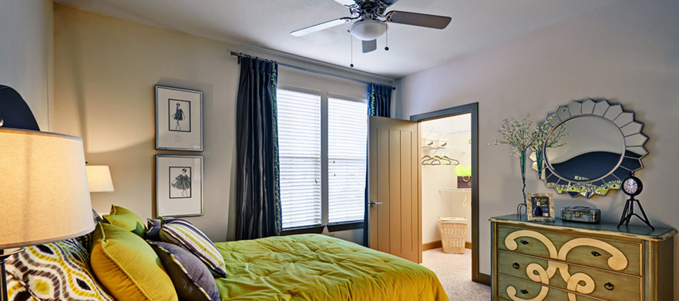 Bedroom at Listing #232056