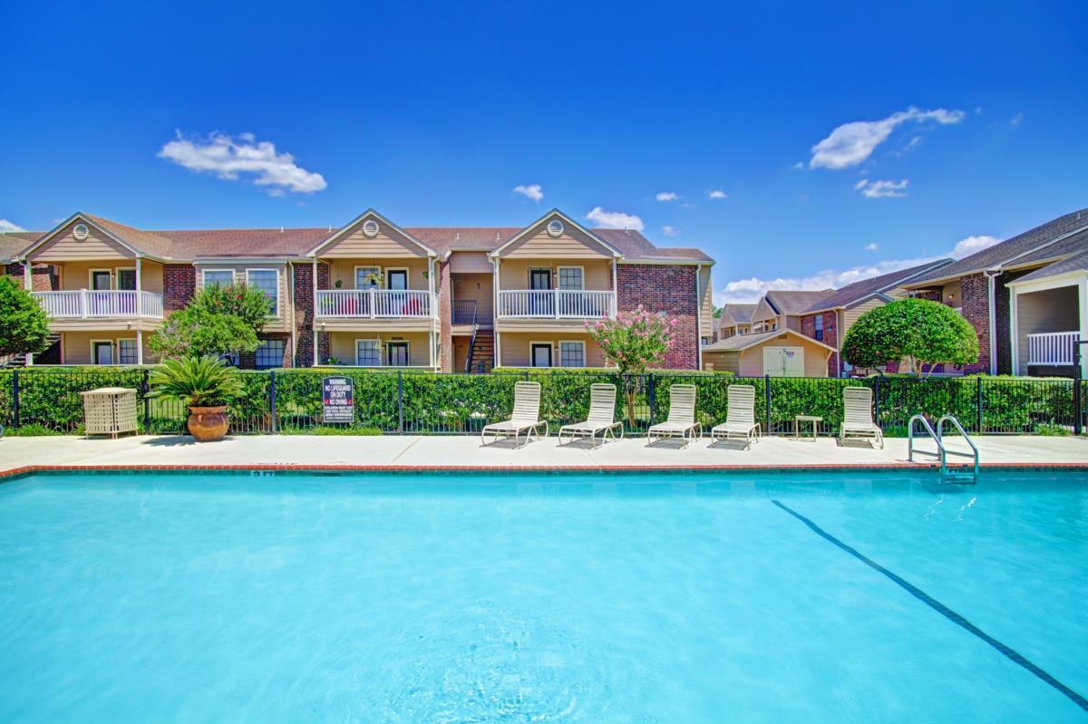 Pool at Listing #138625