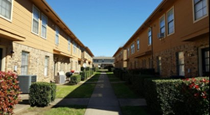 Courtyard at Listing #135774