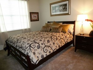 Bedroom at Listing #144690