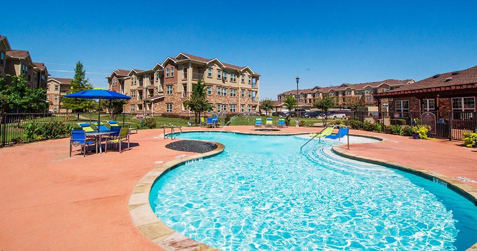Pool at Listing #261426