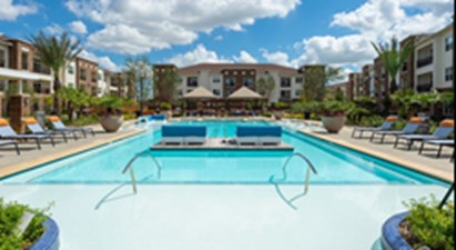 Pool at Listing #292860