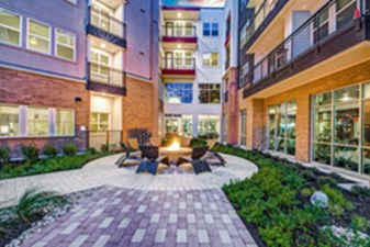 Courtyard at Listing #296285