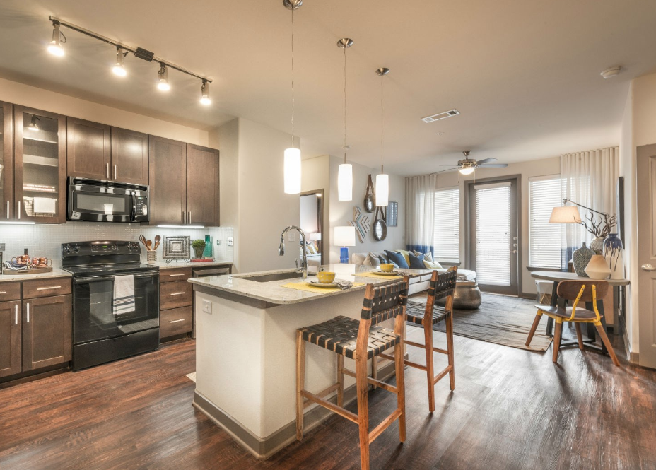 Living/Kitchen at Listing #292862