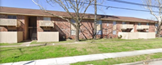 Exterior at Listing #139419
