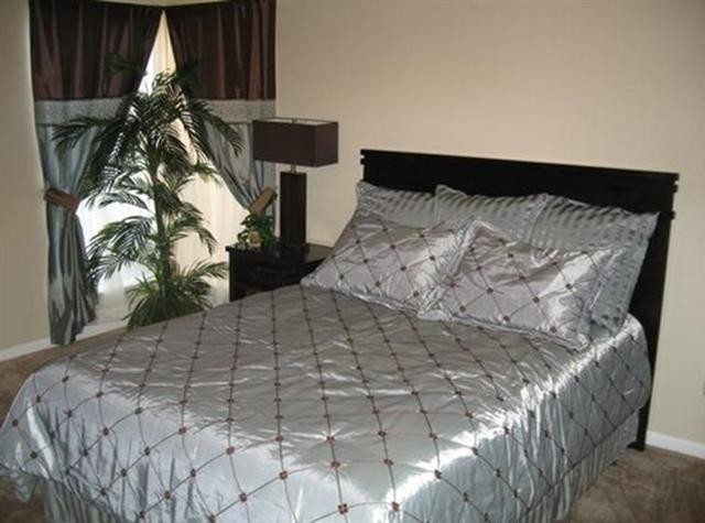 Bedroom at Listing #139862