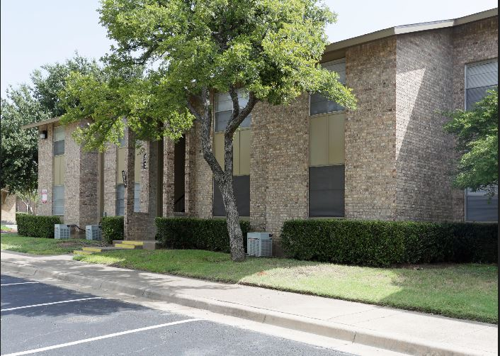Exterior at Listing #137382