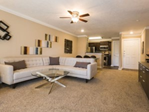 Living Area at Listing #141213