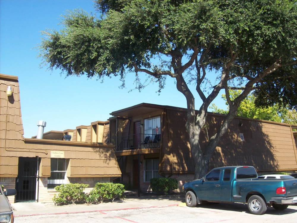Exterior at Listing #139230
