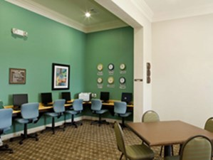 Business Center at Listing #150797