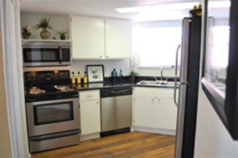 Kitchen at Listing #138582