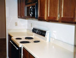 Kitchen at Listing #139586