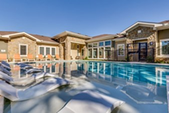 Pool at Listing #286394