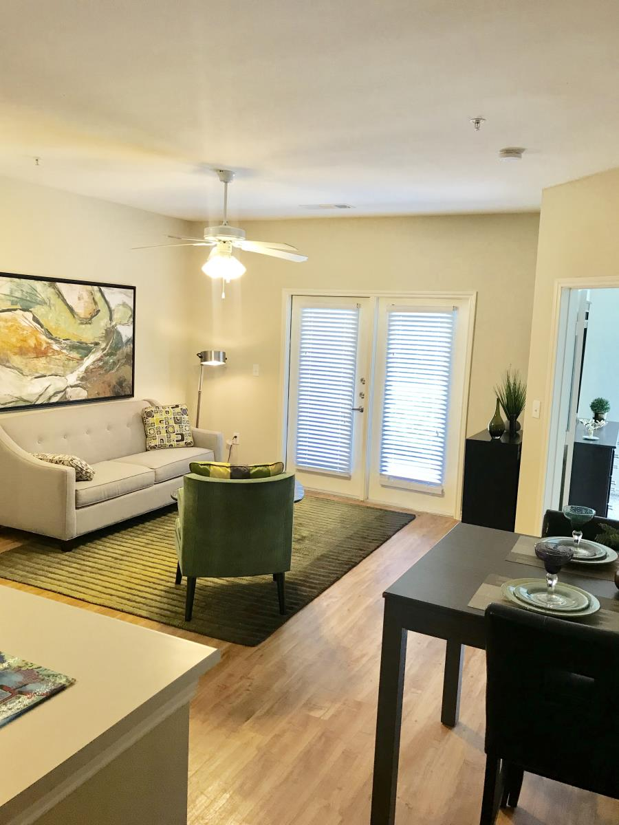 Living at Listing #151623