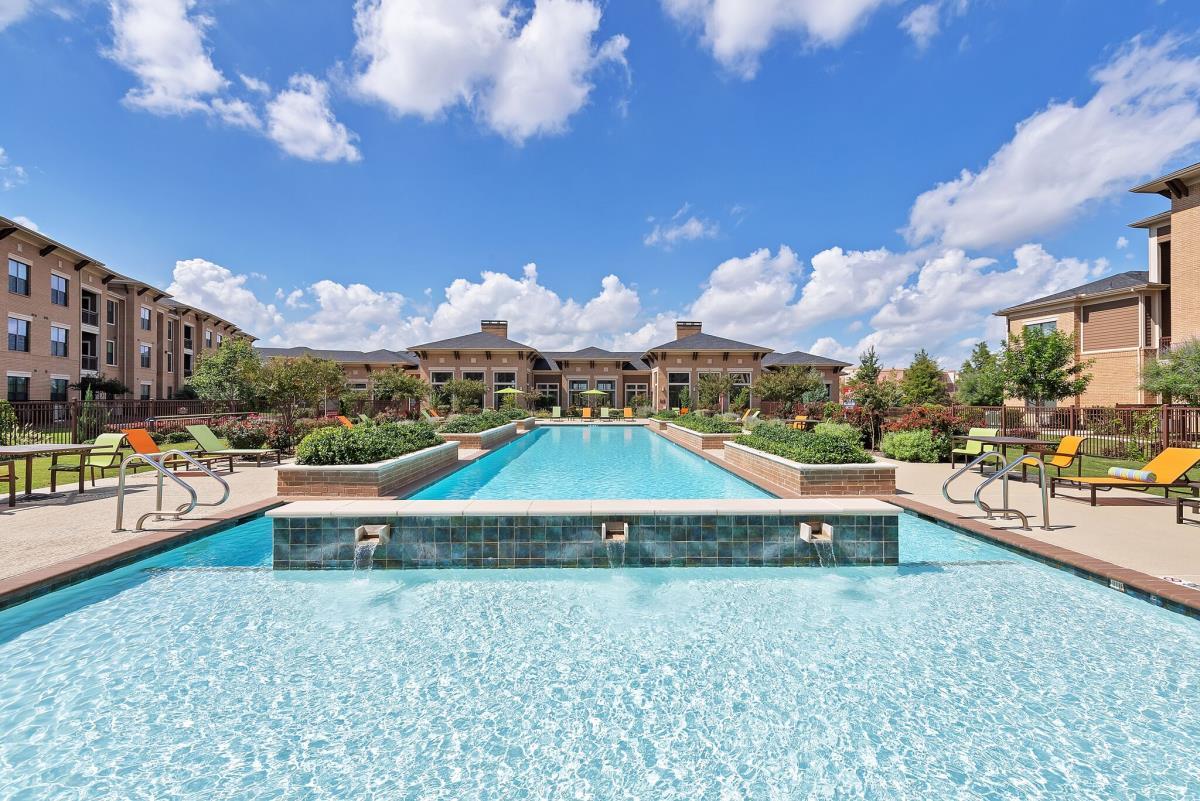 Pool at Listing #276854