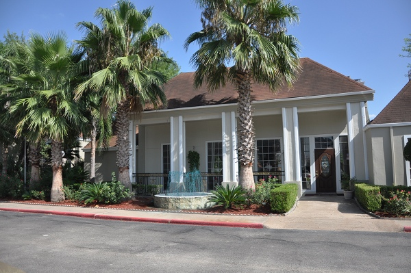 Exterior at Listing #139711