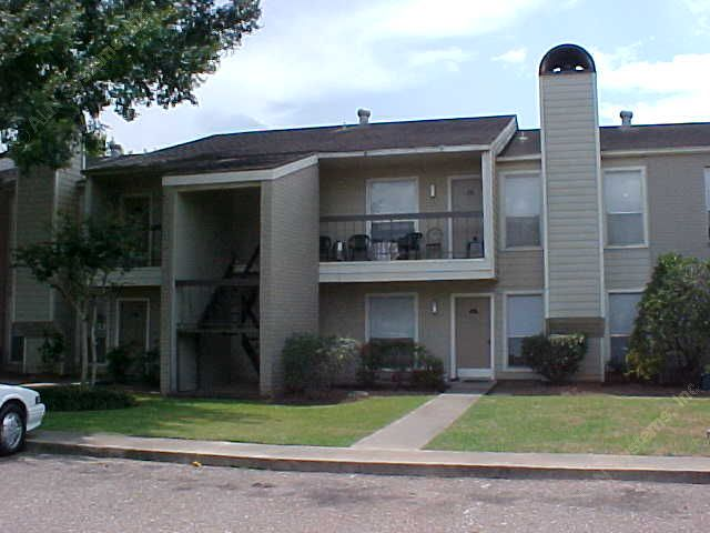 Exterior 2 at Listing #138397