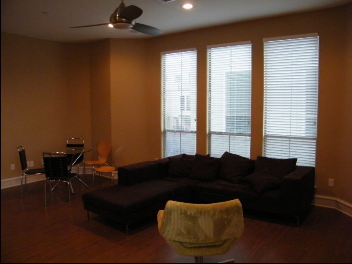 Living Area at Listing #147867