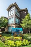Easton Apartments Dallas TX
