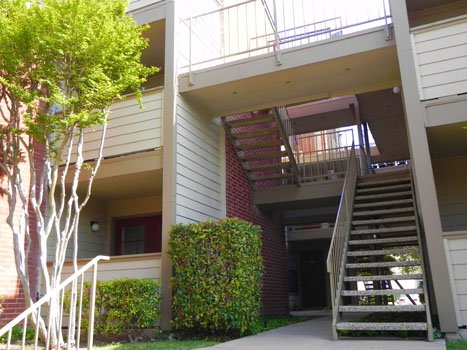 Exterior at Listing #135972