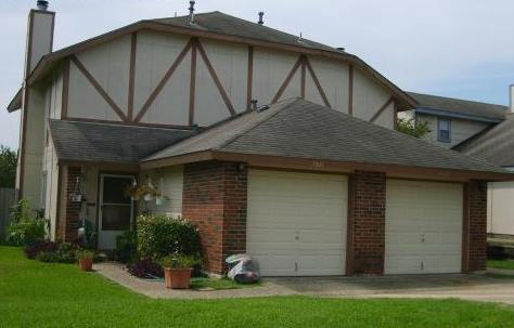 Woodlake Duplexes Apartments San Antonio, TX