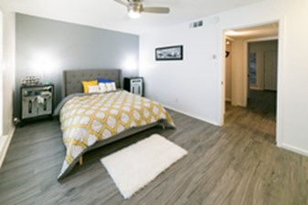 Bedroom at Listing #140441