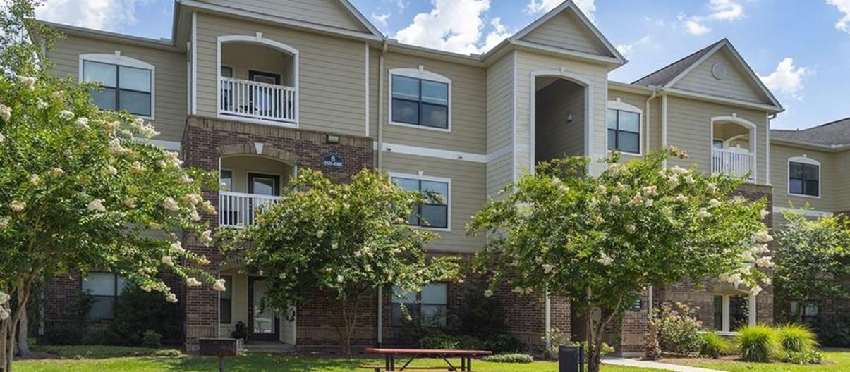 Reserve at Fall Creek Apartments