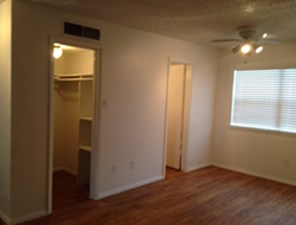 Bedroom at Listing #140186
