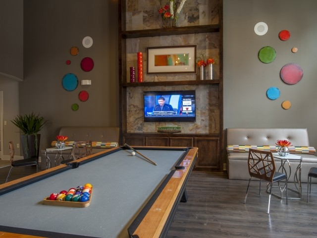 Gameroom at Listing #230984