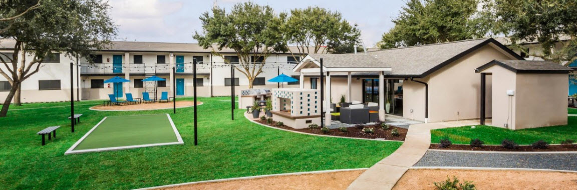 Exterior at Listing #139283